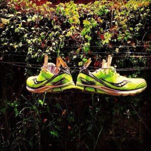 El error más común: Secar el calzado deportivo al sol.