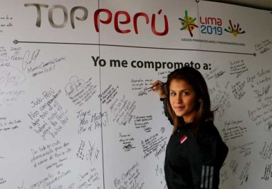 Taekwondista Julissa Diez Canseco firmó su compromiso y se suma al Top Perú Lima 2019